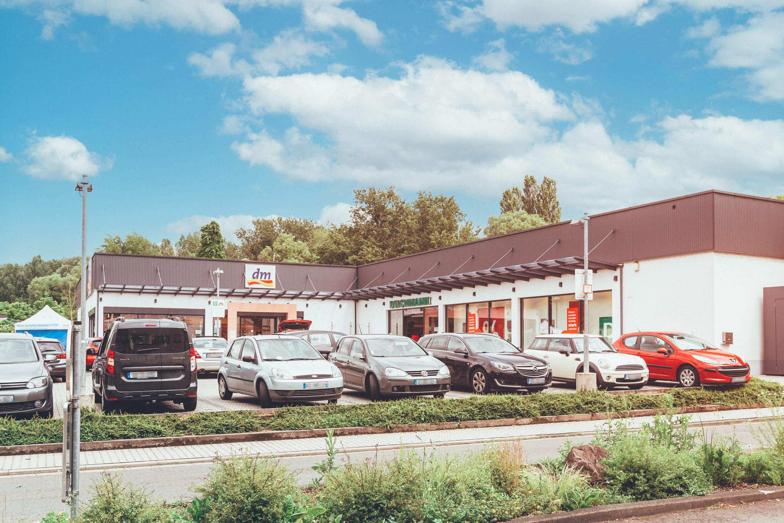 Parkplatz vor DM und Deichmann in Grossrosseln